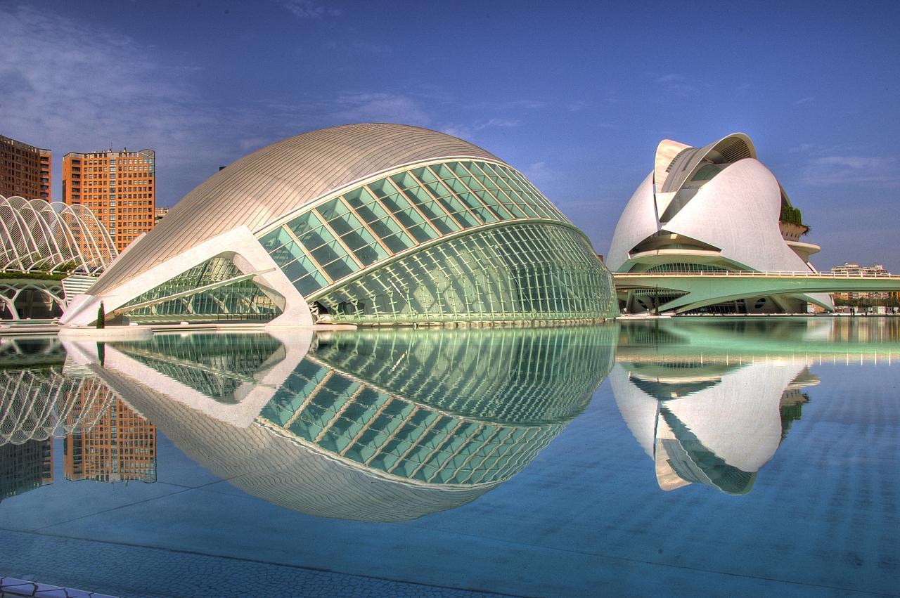 Ciudad de las artes y la ciencias, Valencia, by carrasco.javi in Flickr