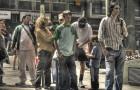 Esquinas, plazas y paradas de autobús. La política de los cuerpos tranquilos