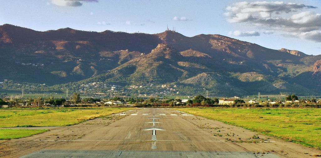 aeropuerto de Castellón by showbits in flicr - no modificar