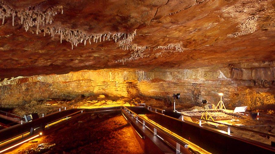 Recreación de las cuevas de Altamira, 2001
