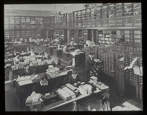 New York Public Library 1923. Central Library. Room 100.