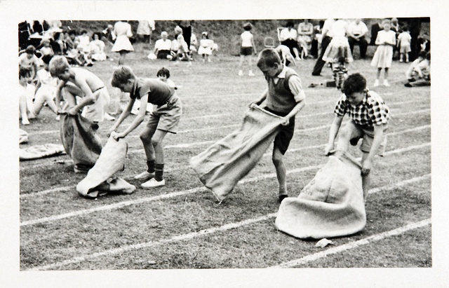 Ready Steady Go: Sports Day 1960 / The National Archives UK