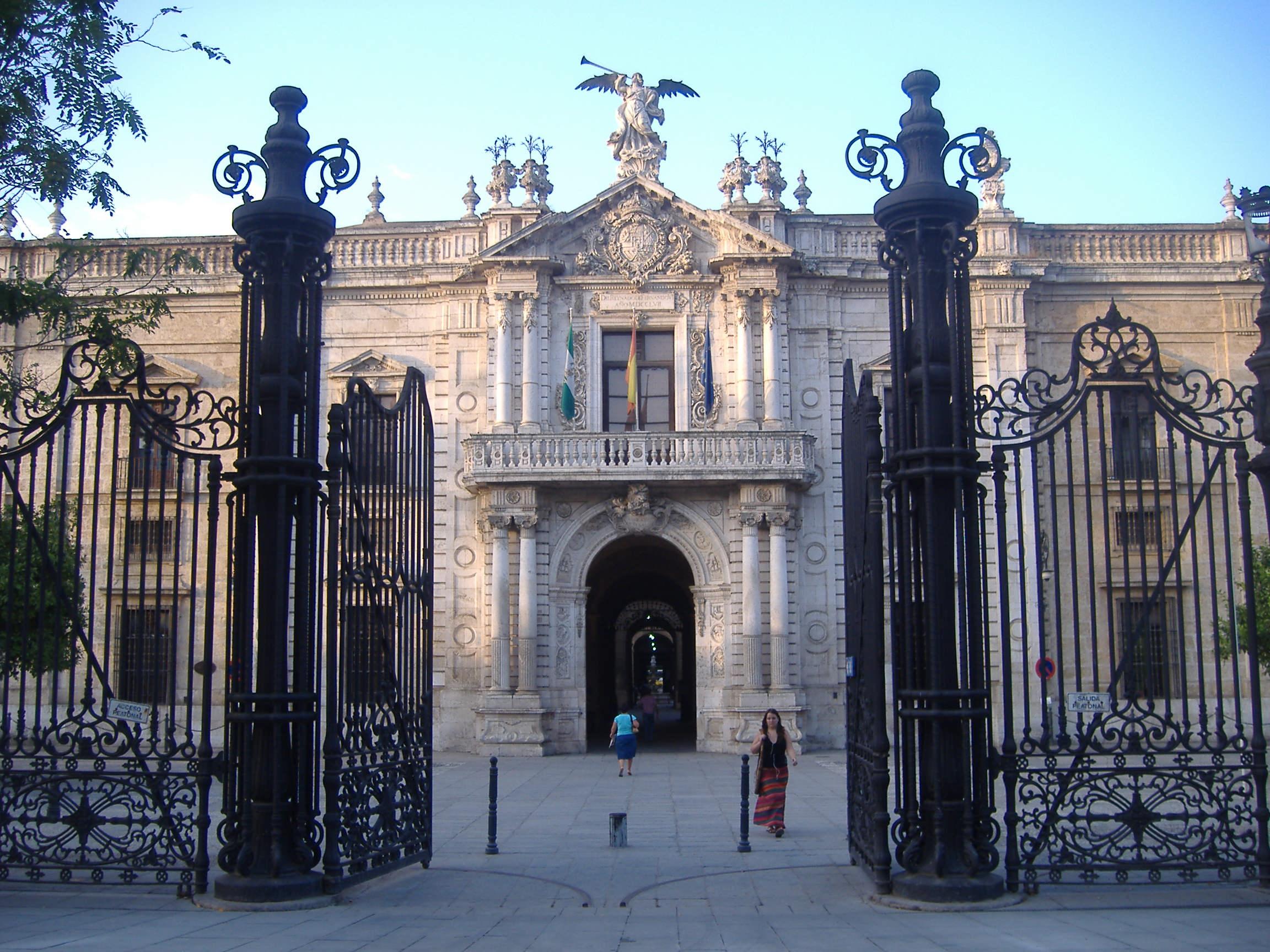 La Real Fabrica De Tabacos Sevilla Identidad E Imagen De
